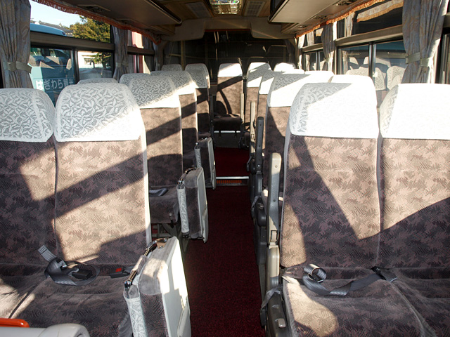 小型バス54